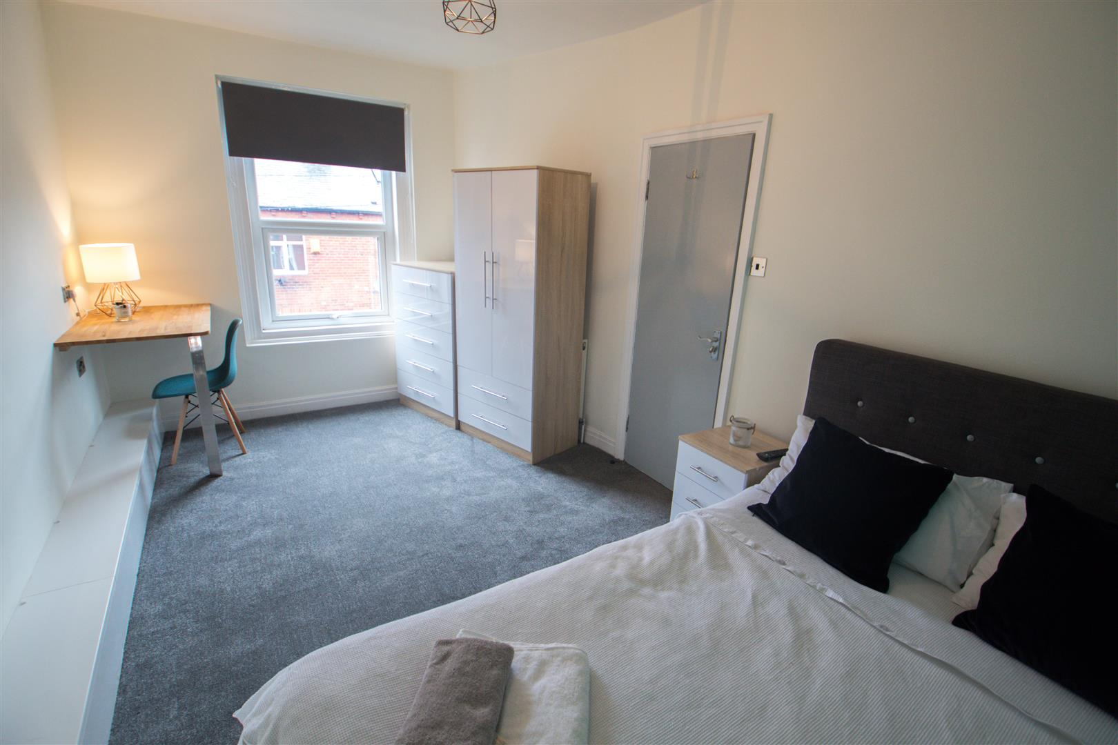 Room 3, Headingley Avenue, Leeds LS6 3ER Image
