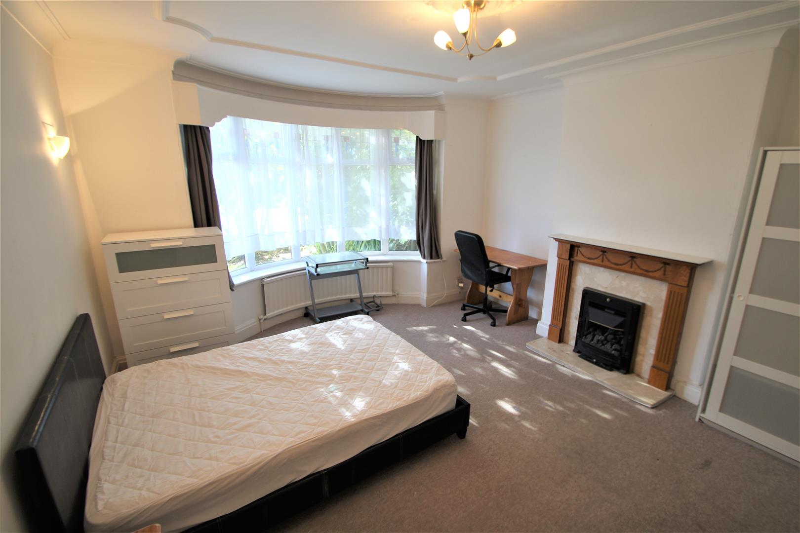 Room 1, St Annes Road, LS6 Image