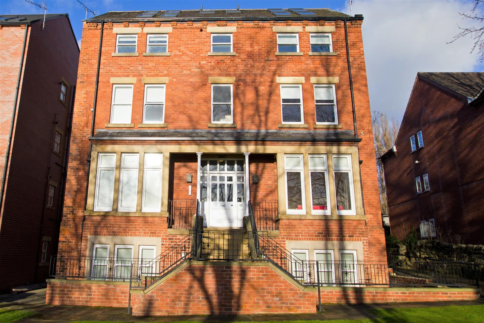 Broomfield Crescent, Headingley, LS6 3DD Image
